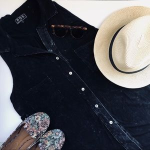 Black mineral wash ModCloth tunic 🖤🌫